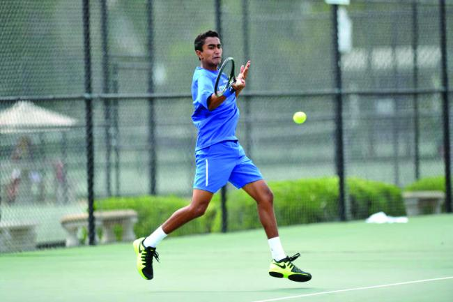 Men sweep Quincy, fall to Oral Roberts