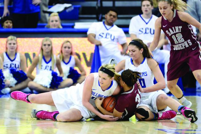Women split A-10 series, enter last leg of conference play