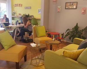 French cafe feels 'Like Home'