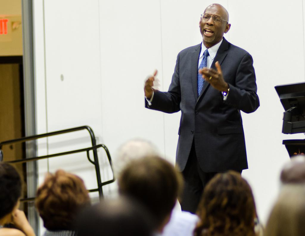 Canada: Geoffrey Canada speaks to the SLU community about his work in urban education Ryan Quinn / Photo Editor