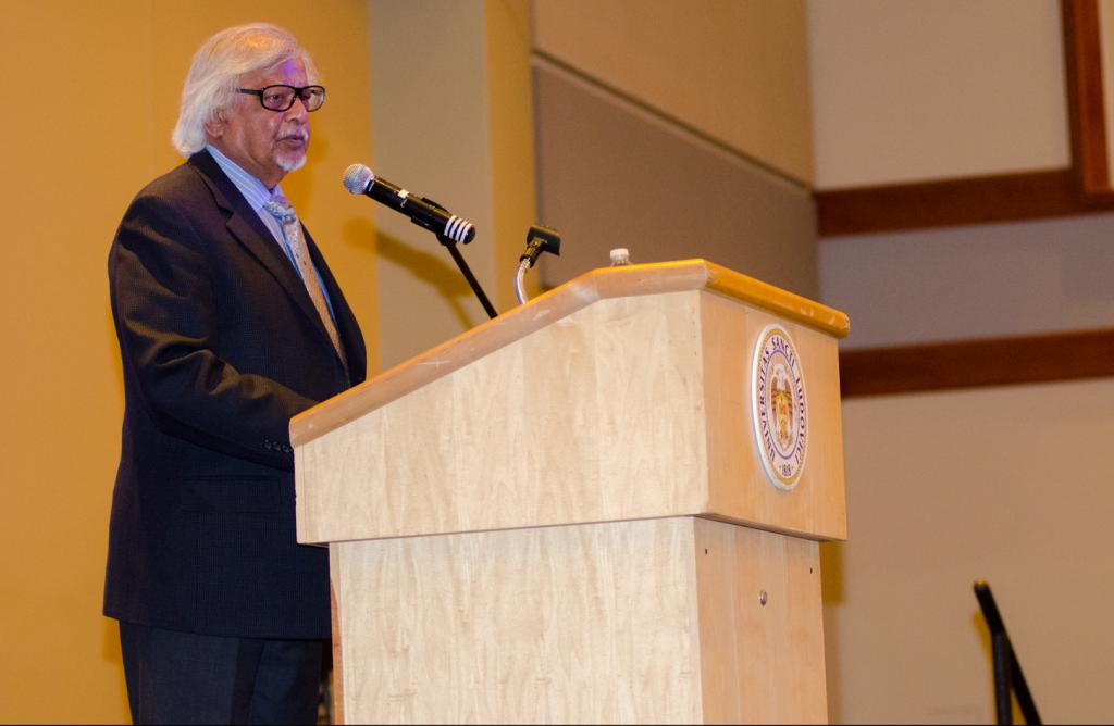 Non-violence: Arun Gandhi speaks to SLU students on the power of peace. Ryan Quinn / Photo Editor